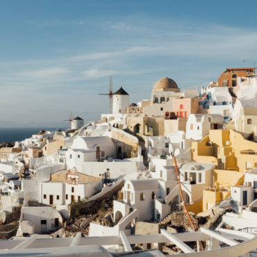 5 Reasons to visit Santorini in winter